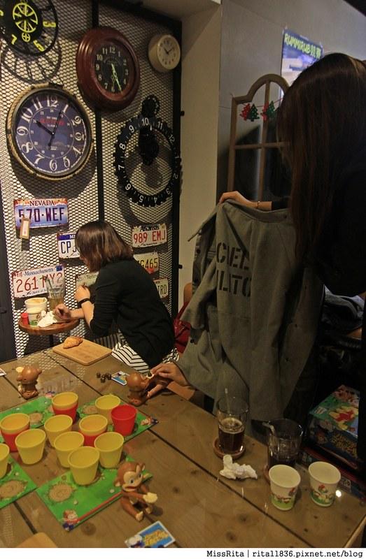 一粒麥子 台中桌遊 台中耶誕聚 台中桌遊店 一粒麥子桌遊 工業風 Dooopo 都品家居4