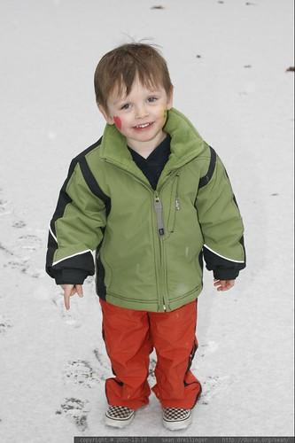 2005-12-18, snow, lake oswego, oregon, nick _MG_0855.JPG