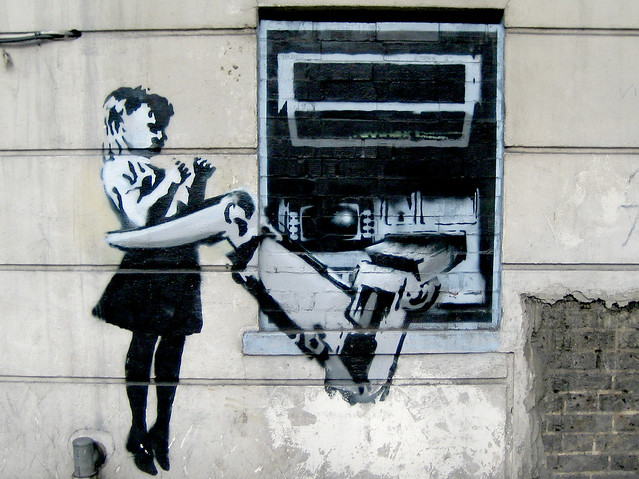 Banksy: Cash Machine, Canon IXY DIGITAL 50
