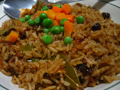 meal, thai fried rice, rice, spanish rice, nasi goreng, arroz con pollo, vegetarian food, biryani, food, pilaf, dish, kabsa, fried rice, cuisine,