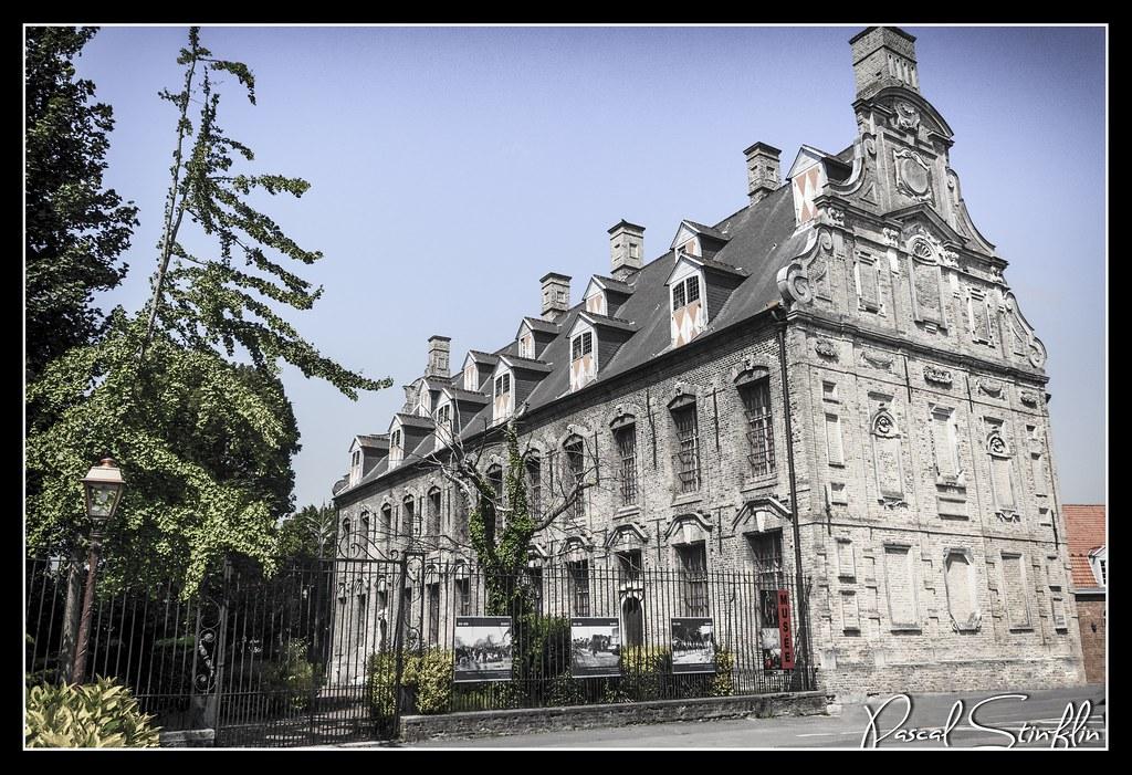 Bergues - Mont de Pi\xe9t\xe9 I
