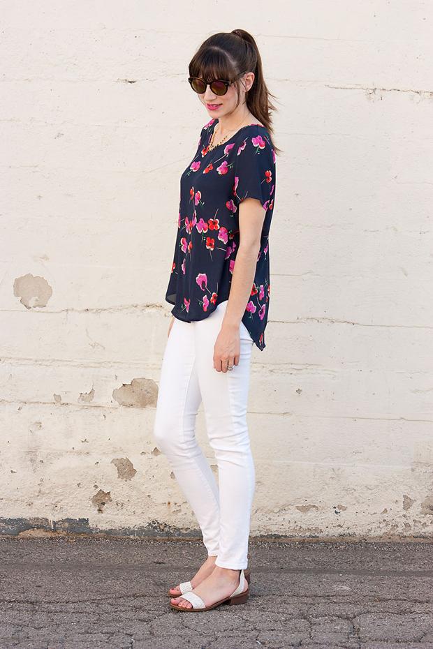 Brandzaffair, Pleione Floral Tee, White Denim Jeans, Loft Sunnies