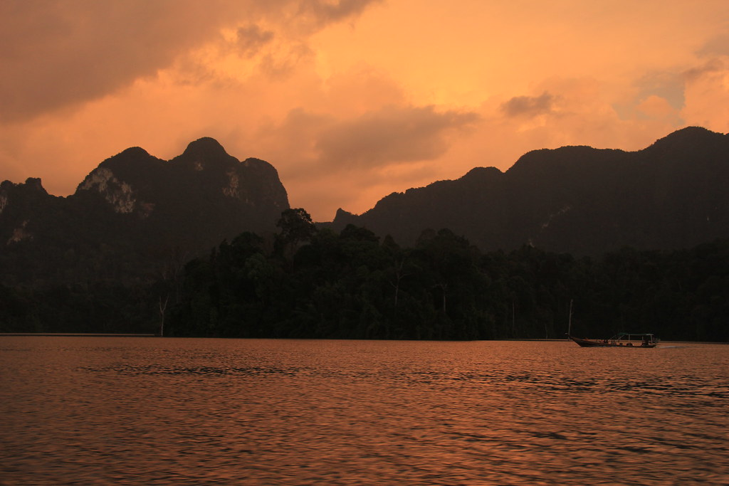 Sunset, Cheow Lan Lake