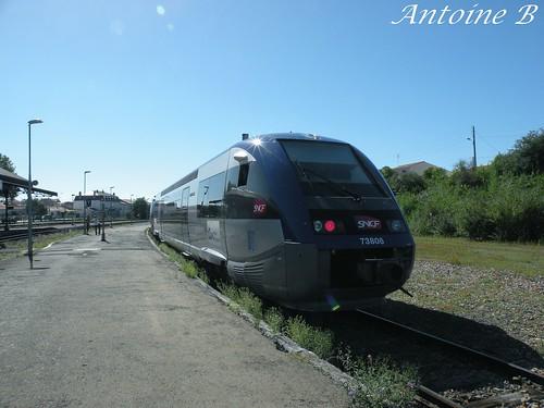 X73806 - TER Poitou-Charentes - Rochefort > La Rochelle Pte Dauphine - Gare de Rochefort (17)