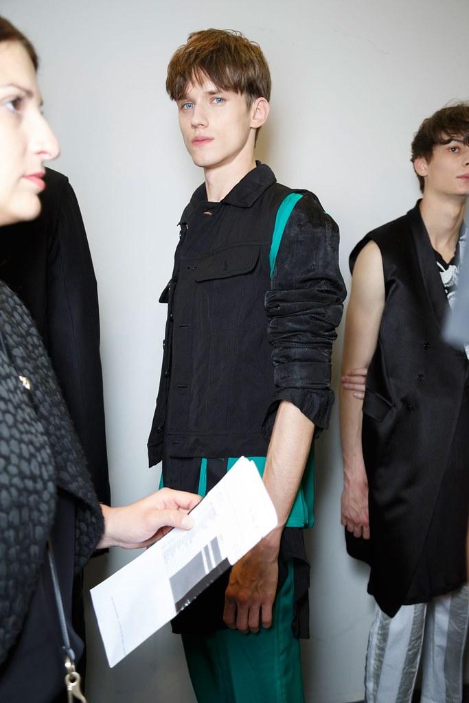 Yulian Antukh(Antuh)3201_SS16 Paris Ann Demeulemeester(fashionising.com)