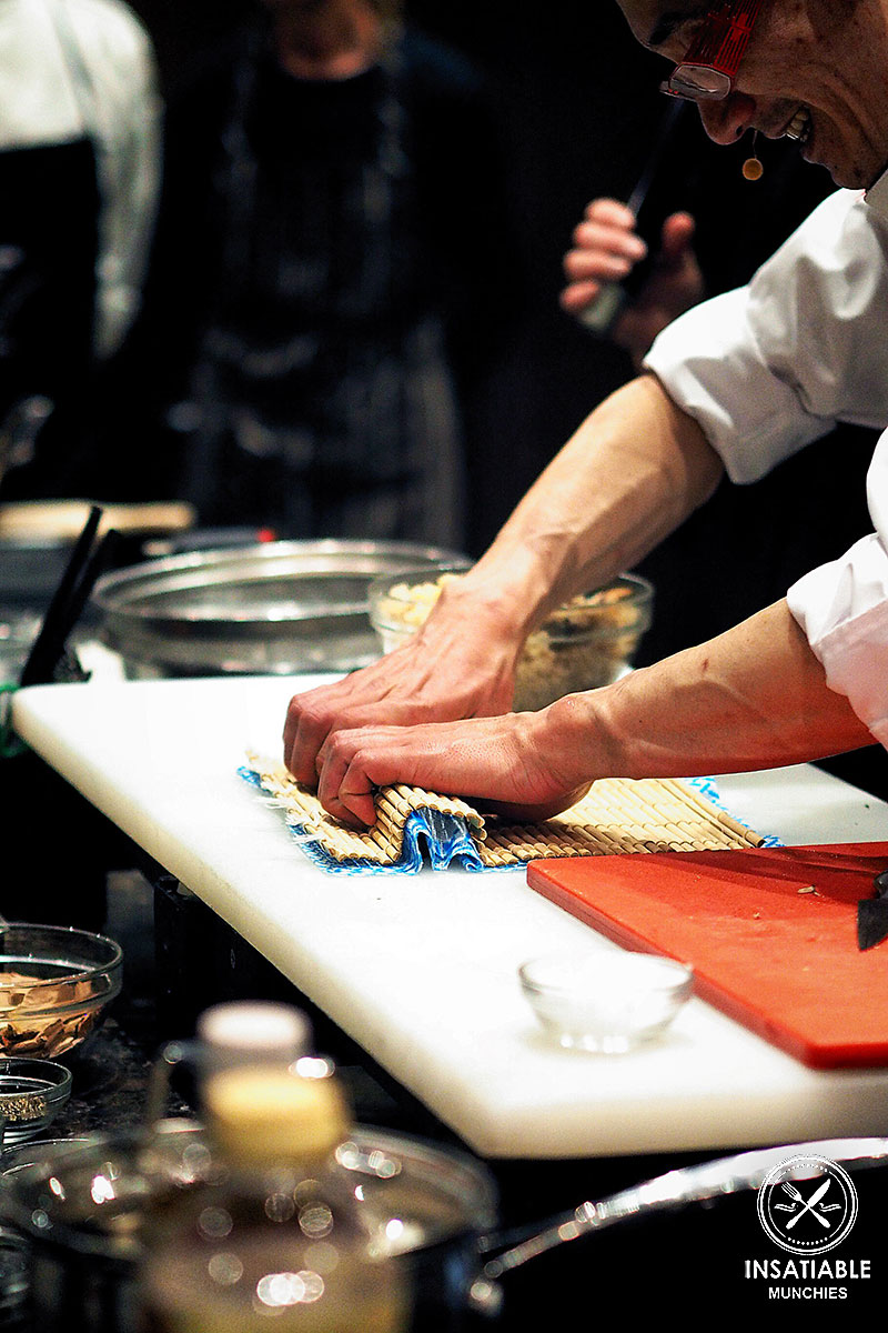 Washoku Lover's Kitchen: shaping the rice and nori roll with a sushi mat.