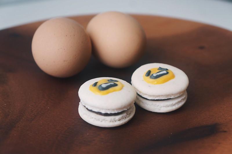gudetama macarons