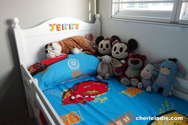 Jerry's bed and his soft toys..