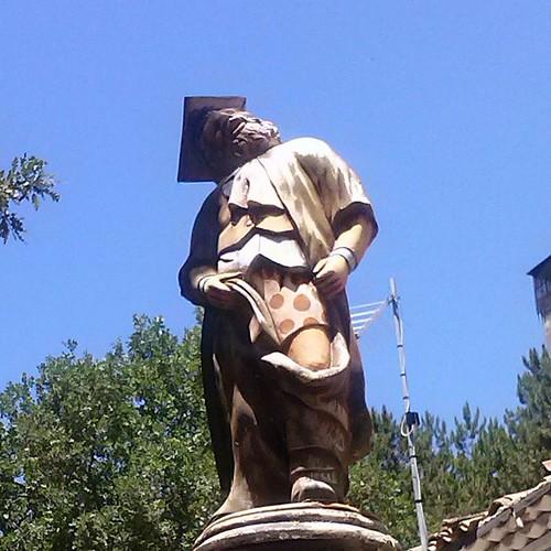 Dedicato al viaggio di oggi e a questa statuetta  #lamplero #collelongo #marsica #marsicaninoi