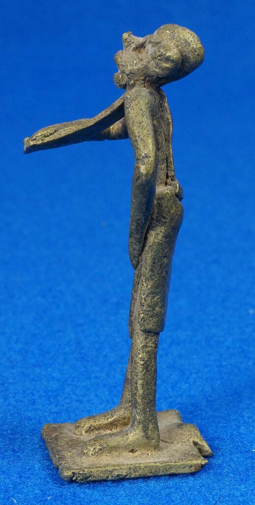 RD15105 4 Vintage African Hand Made Folk Art Primitive Figurines Solid Cast Brass Burkina Faso Yoruba West Africa DSC07130