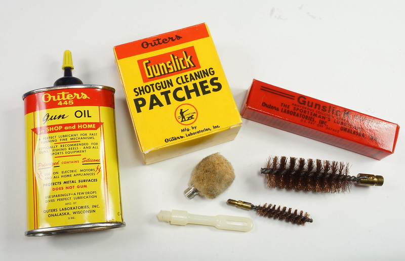 RD14438 Vintage Outers 12 Guage Shotgun Cleaning Kit # P-478 DSC07793