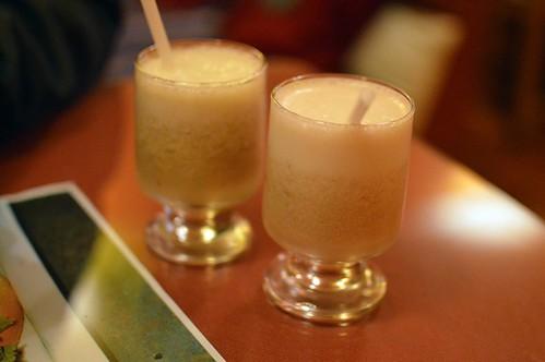Mango and ciruelo pisco sour