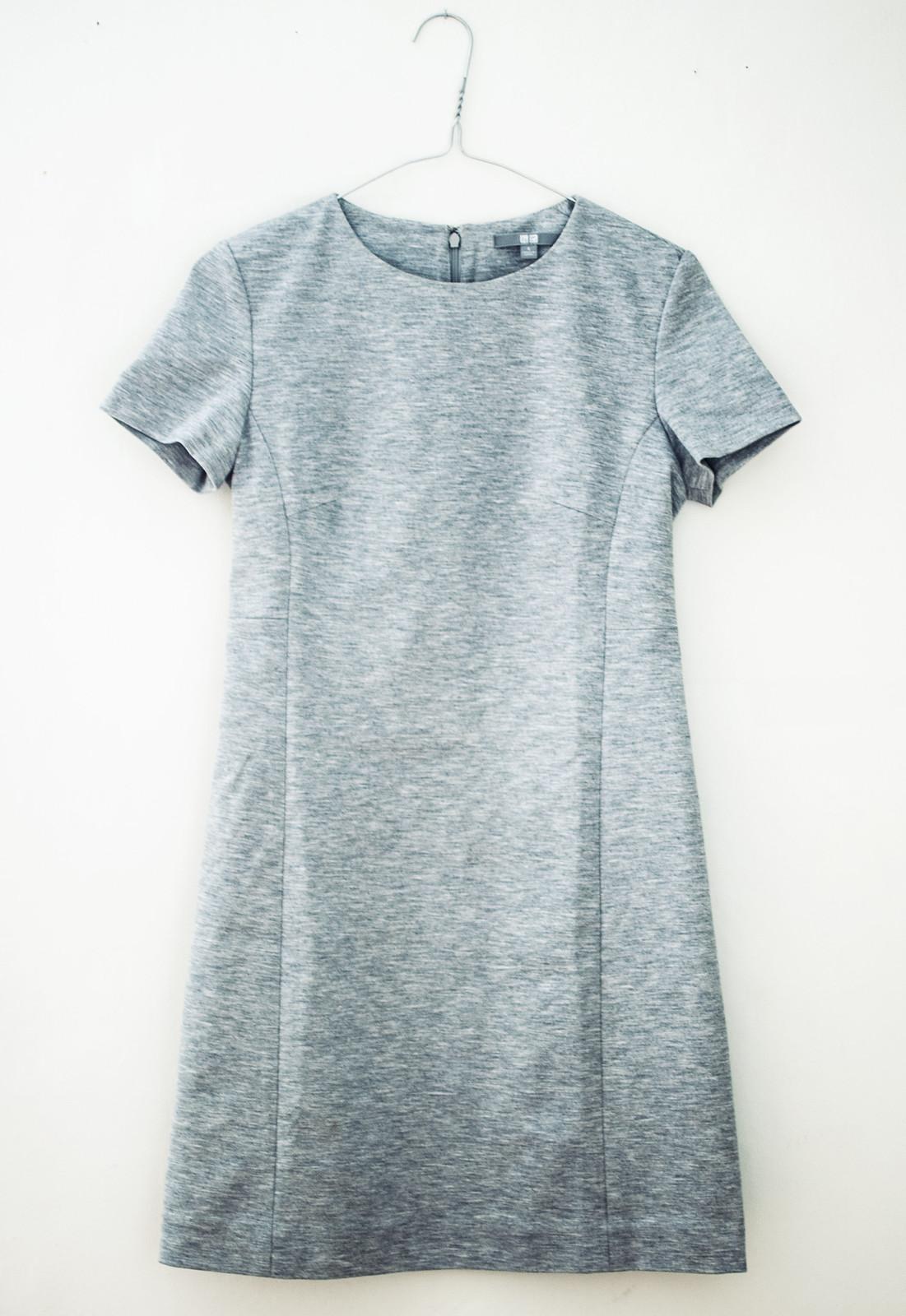 grå klänning