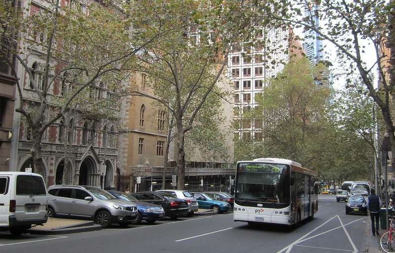 Bus in Queen Street