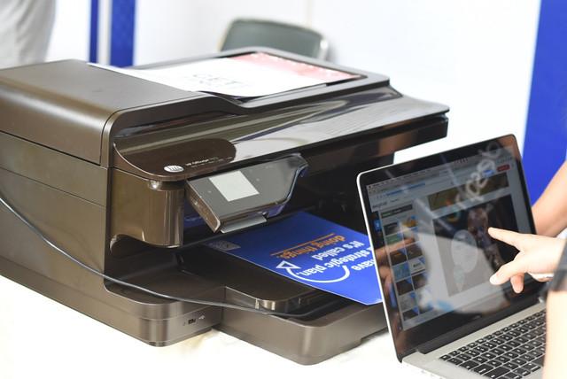 Máy in Hp OfficeJet 7612 dễ dàng kết nối với các thiết bị qua ePrint và AirPrint.