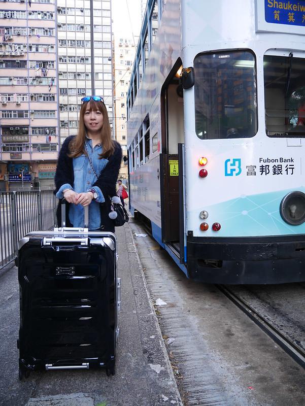 2016.12AOU黑色行李箱