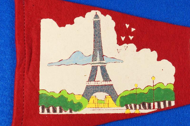 RD15161 Vintage France PARIS Eiffel Tower 2 Sided Red Mini Flag Felt Pennant 11 inch DSC08710
