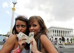 Беларусь безвизовая: горе стране и радость иностранцу?