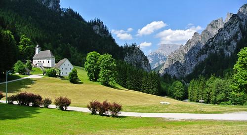 sky friedhof sun mountains church graveyard austria österreich nationalpark meadows wiesen kirche himmel berge kati sonne steiermark styria katharina 2015 gesäuse johnsbach nikon1v1 gesäuserange