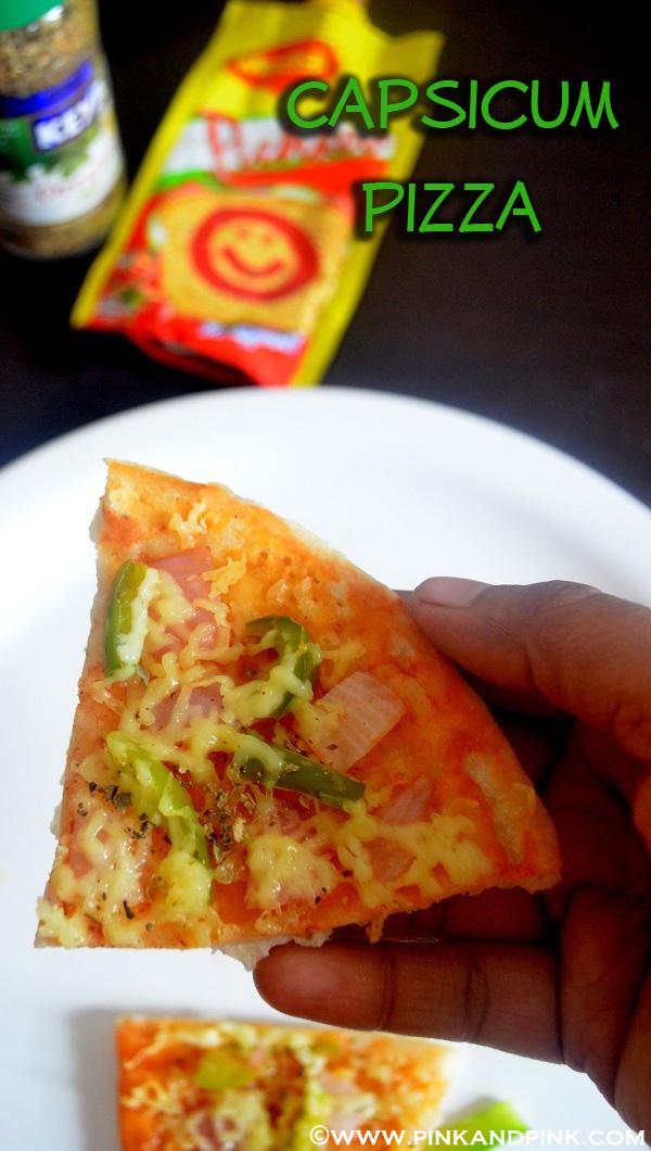 Capsicum pizza in cooker