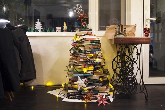 Book tree at 烏鴉咖啡 Cafe Kafka