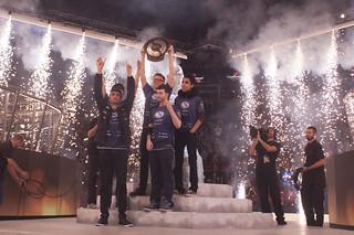 EG Rise to Claim The International 2015 Aegis of Champions