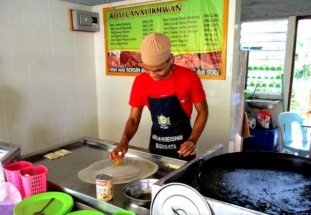 Simpang Tiga roti canai stall