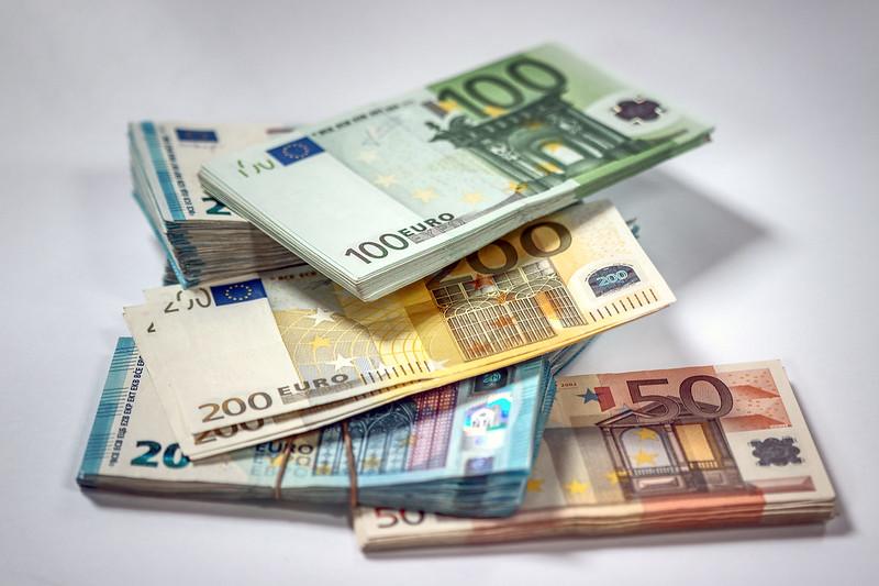 Euro - Photo credit: Ervins Strauhmanis via Foter.com / CC BY