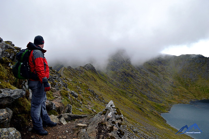 Striding Edge in low cloud