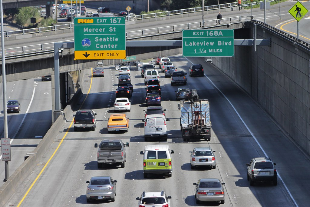 Northbound traffic on I-5 approaching Mercer Street | Flickr
