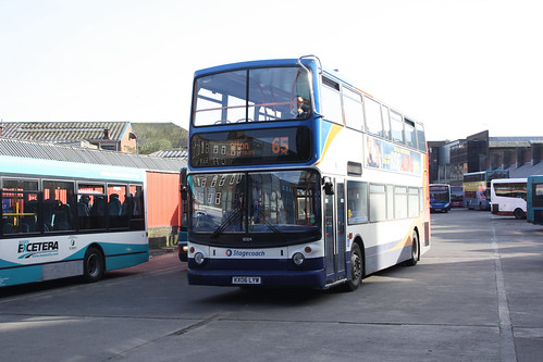 Stagecoach South 18504 KX06LYW