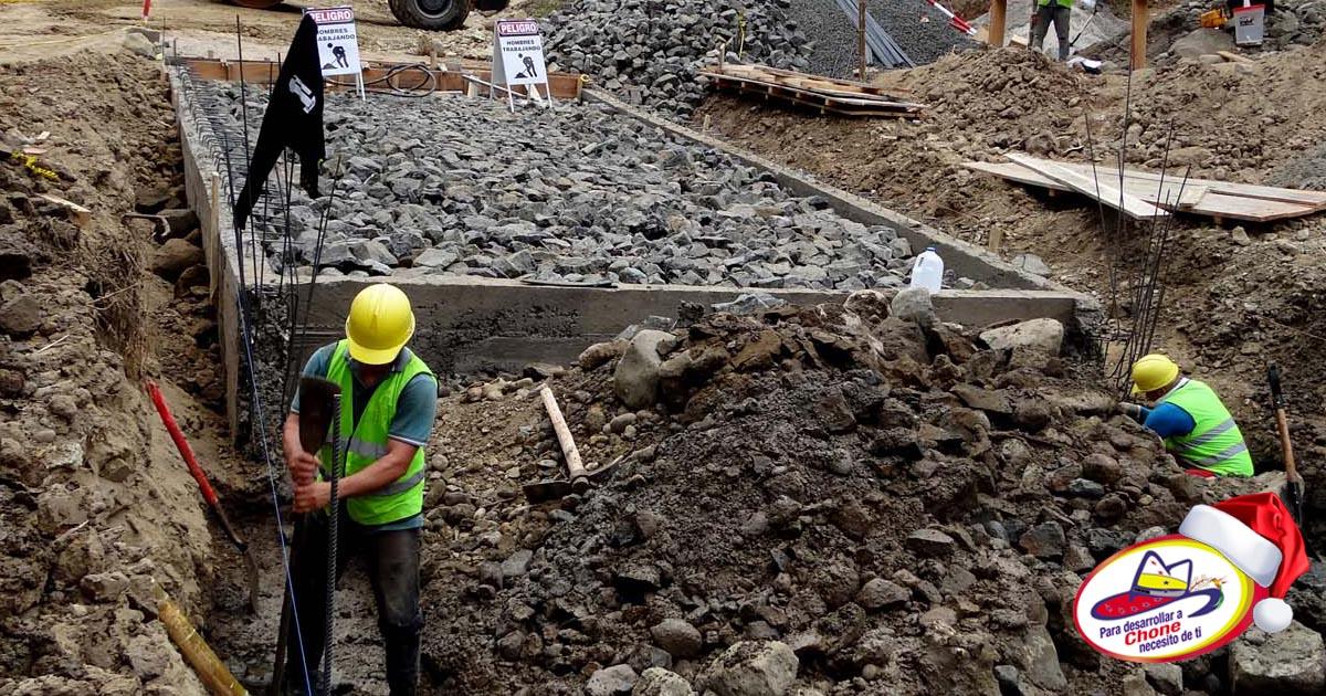Alcalde inspecciona avance de trabajo en sitio Ñauce