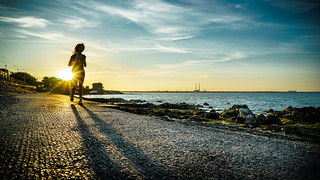 Running at sunset - Dublin, Ireland - Color street photography | by Giuseppe Milo (www.pixael.com)