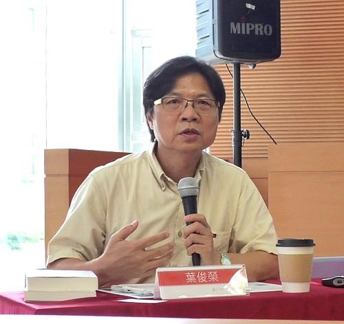 葉俊榮認為台灣版的溫減法反映出台灣當前的格局、動機及情境,因此法案雖有不足,仍須接受。攝影:陳文姿。