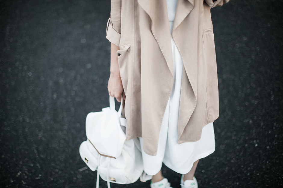 nude-beige-trench-duster-coat-outfit-street-style