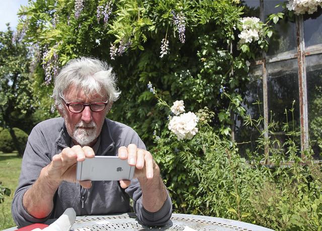 Peter with Noriko's iphon