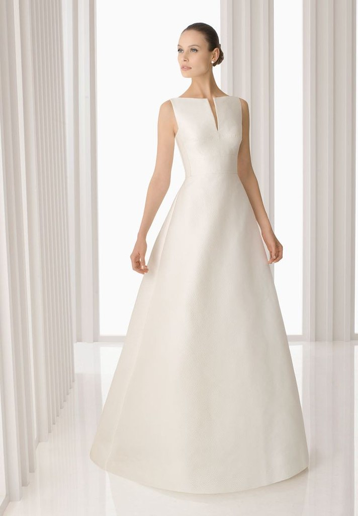 Outstanding Simple Wedding Dress