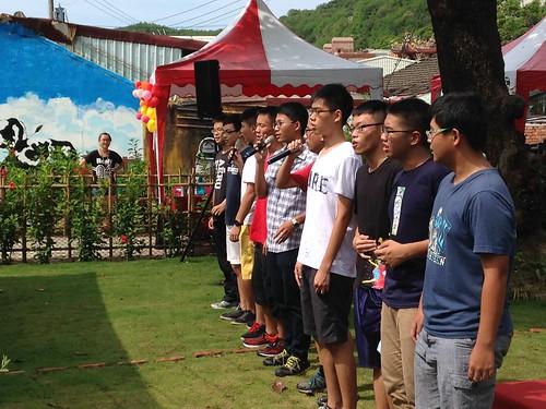 來自中山、高醫以及雄中的學生,以歌聲揭開柴山祭序幕。