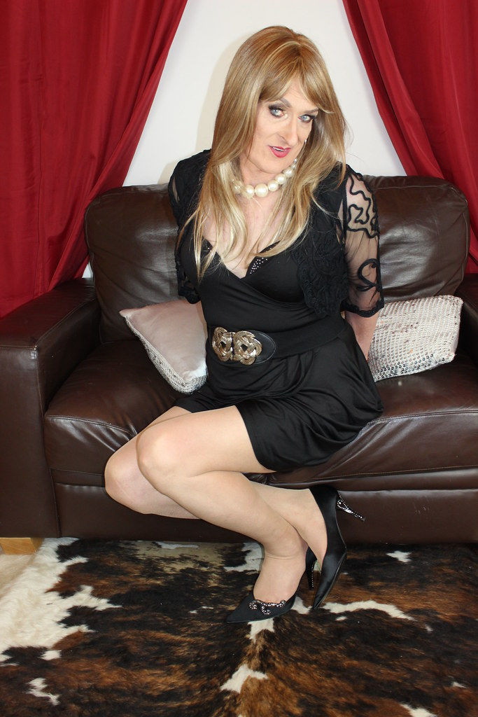 Mature nylon transvestite