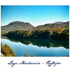 Lago Machonico  Y su espejo perfecto... #LoMismoDiferente #LMD_Reflejos - Ruta 7 Lagos -  Desde San Martín de los Andes a Bariloche. De Norte a Sur: Lago Lacar, Machonico, Faulkner, Villarino, Escondido, Espejo Grande, Espejo Chico, Correntoso y Nahuel Hu