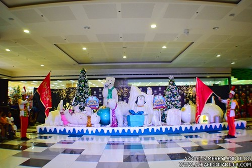 Grand Magical Christmas Parade in SM City Trece Martires (16)