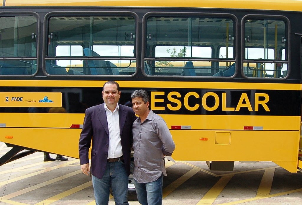 10 02 2017 - Entrega de Micro-ônibus escolar para Luisburgo, prefeito José Carlos