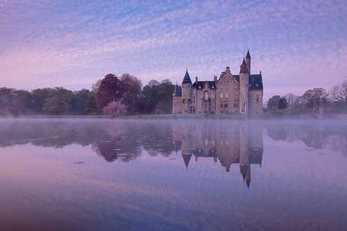 morning reflection castle water sunrise river belgium schelde flanders marnix kasteel bornem sintaldegonde oostvlanderen