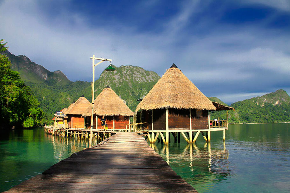 Mountainous Terrains And Forested Peaks Are The Picturesque Backdrop To This Family Owned Resort There Only 5 Water Bungalows So Be Sure Book In