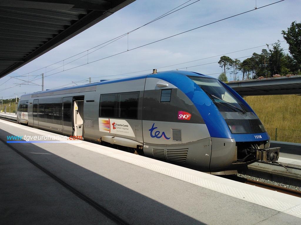 Un autorail thermique ATER X73500 d'Alstom Transport de la Région Franche-Comté