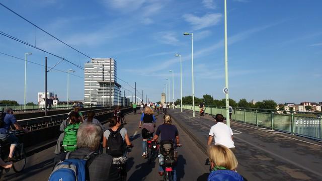 CM auf der Rheinbrücke