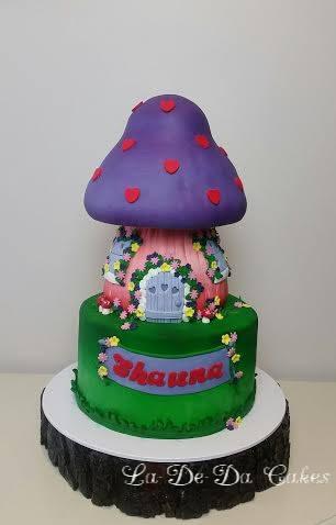 Cake by La-De-Da Cakes