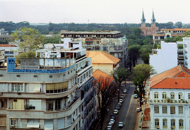 Saigon 1969-70 - Photo by Leroy P. McCarty - Continental Palace Hotel - Đường Tự Do nhìn từ KS Caravelle