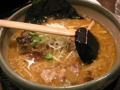 noodle(1.0), lamian(1.0), ramen(1.0), food(1.0), dish(1.0), soup(1.0), cuisine(1.0),