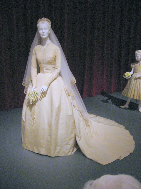 Royal Wedding Dress Designing Games : Grace kelly wedding dress on display at the philadelphia